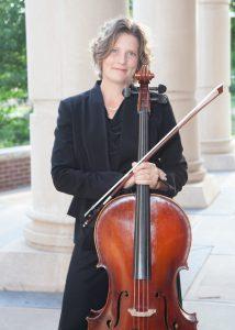 Heidi Mausbach headshot