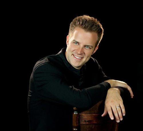 Pianist Bryan Wallick