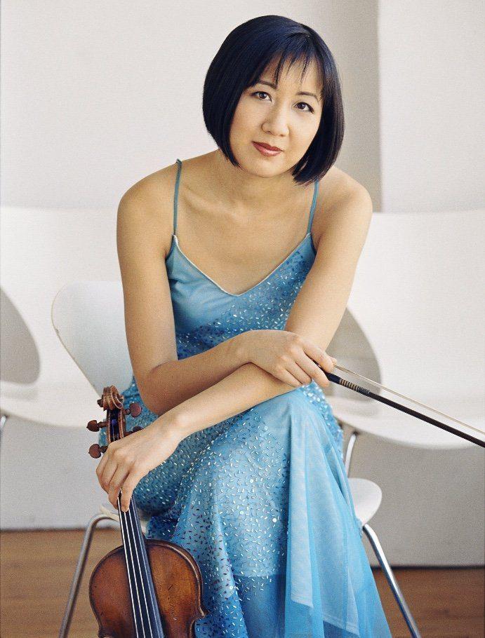 Violinist Linda Wang